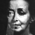 IRENA JUN / STARA KOBIETA WYSIADUJE